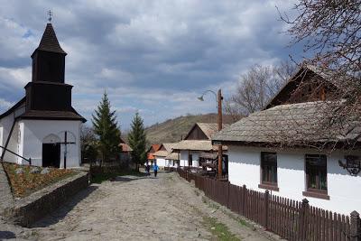 ハンガリーの旅「パローツの古村ホッローケー」