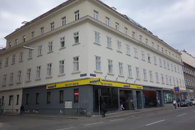 ウィーン 市場街の先進的ゲストハウス「ウォンバットシティホステル」