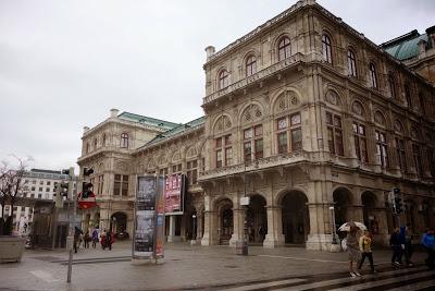 ウィーン歌劇場でオペラ鑑賞、現地での注意点まとめ