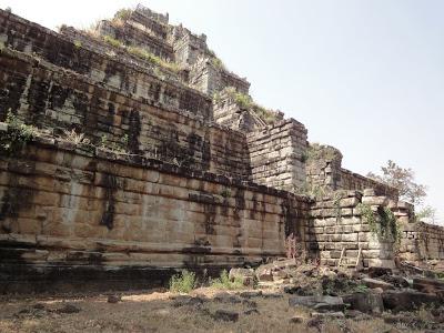 カンボジア もう一つのアンコール王都「コーケー遺跡」