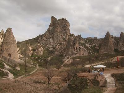 トルコの旅「カッパドキアの岩窟城ウチヒサル」