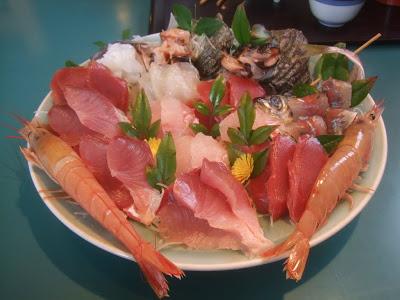 房総鴨川の新鮮な地魚たっぷり「カネシチ水産」
